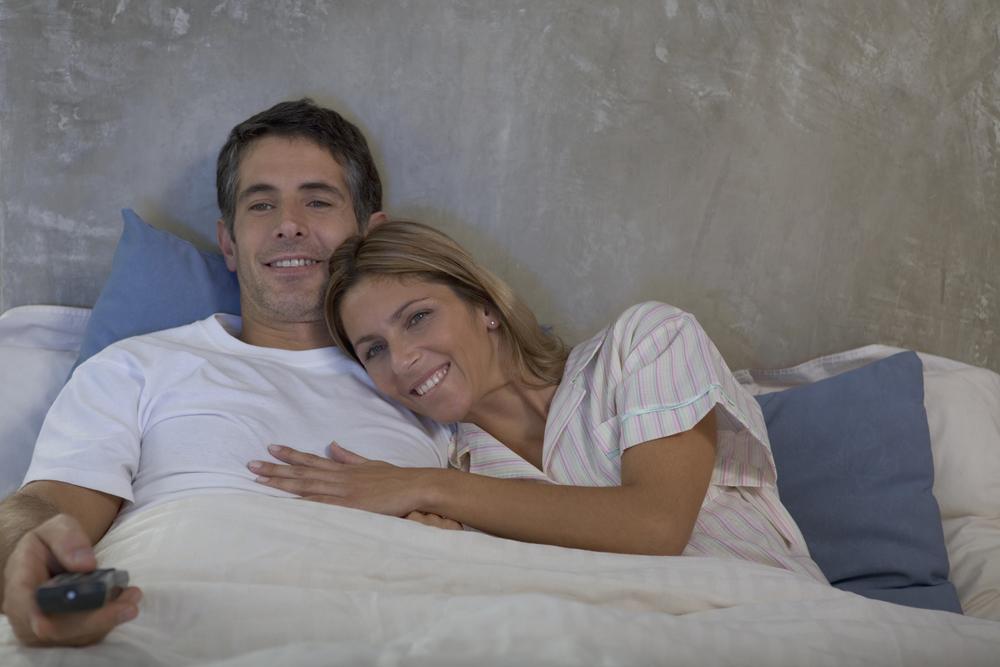 tv na cama