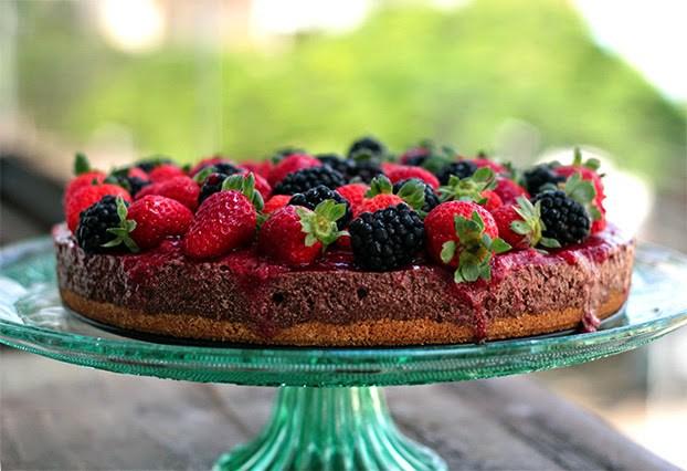 torta moesse com frutas vermelhas