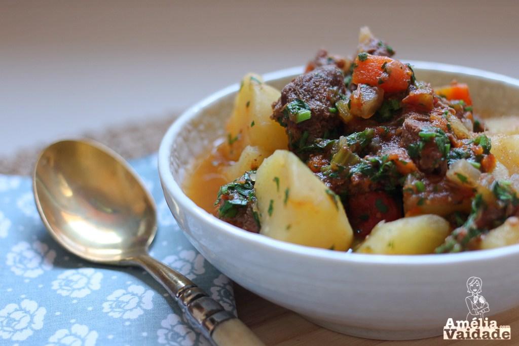 Carne-de-Panela-Panela-de-Pressão-Carne-com-Legumes-e-Batata-Receita-Prática-Amélia-com-Vaidade-2