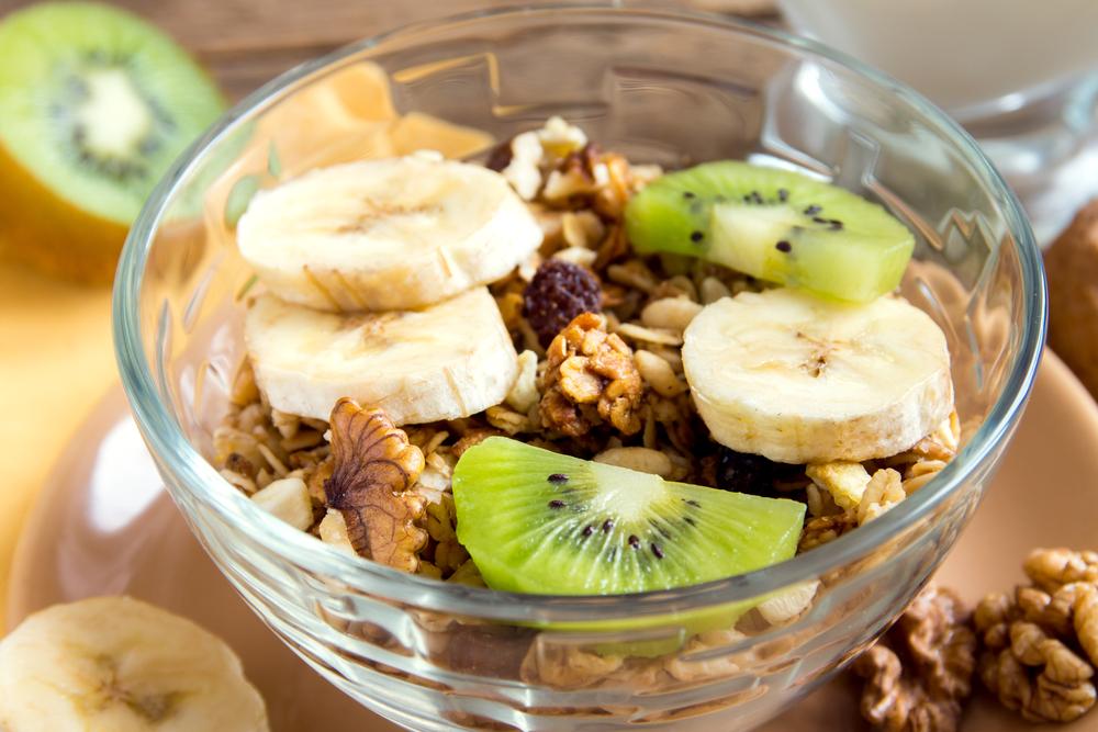 frutas com granola