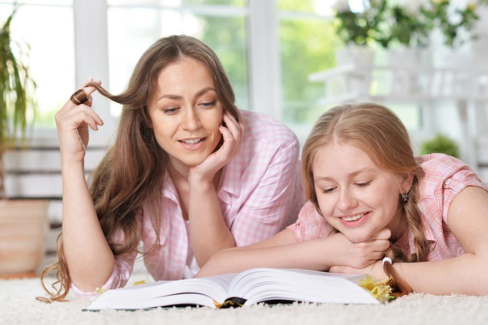 conversa mãe e filha